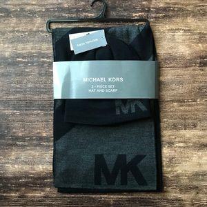 NEW Michael Kors Hat and Scarf Set Grey/Black